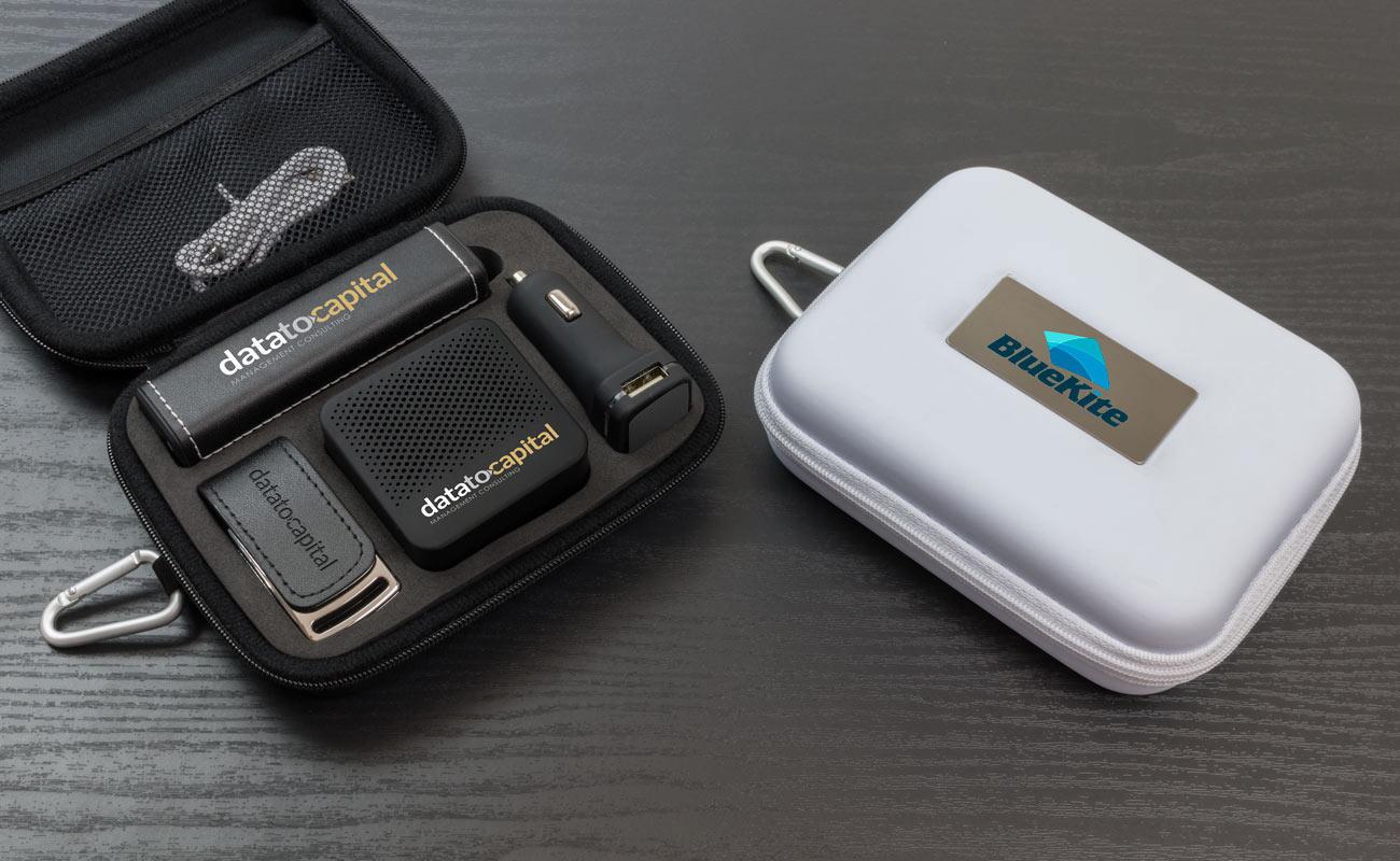 Leather L - USB Stick Bedrukken, Powerbank Bedrukken, Custom Car Charger en Luidspreker Logo